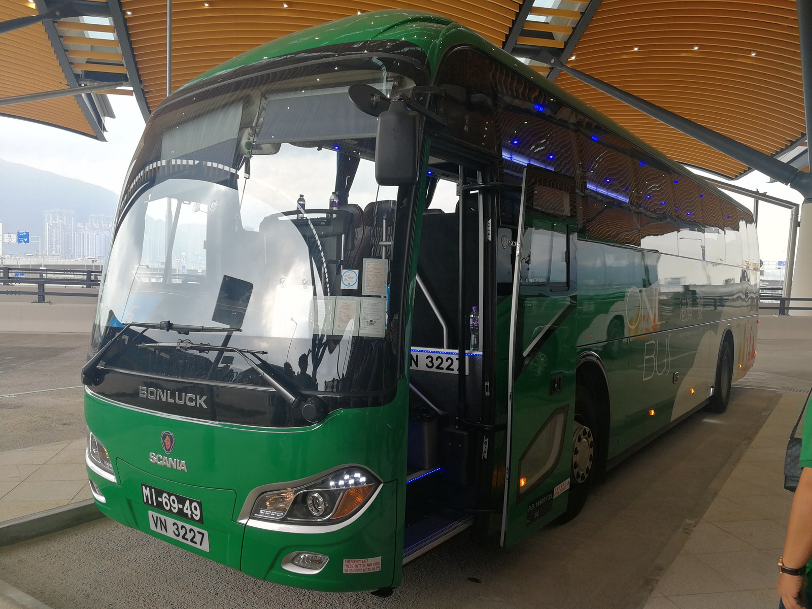 BONLUCKBUS accredited shuttles Hong Kong-Zhuhai-Macao Bridge